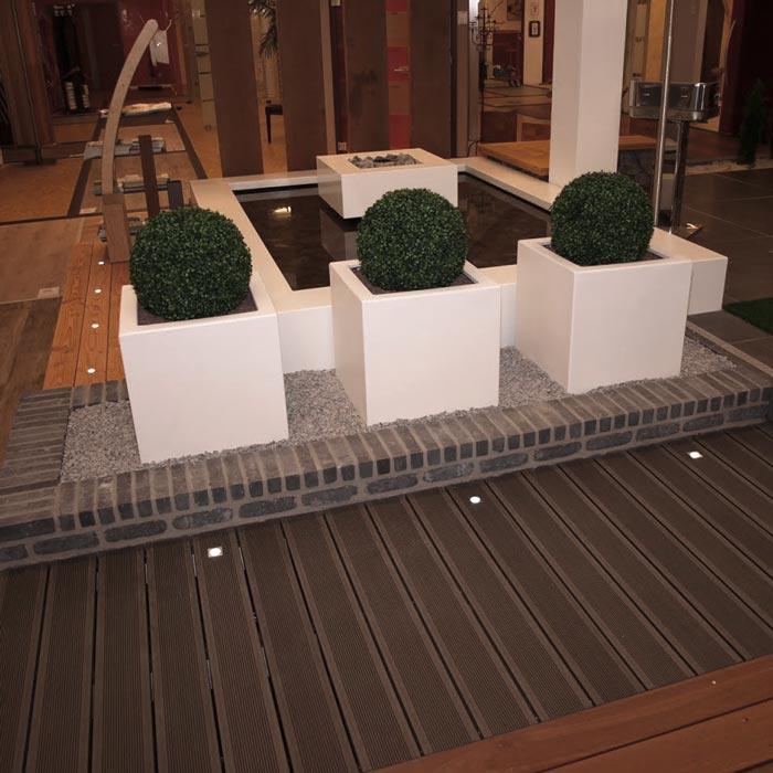Gartendeko in der Gartenausstellung von HolzLand Verbeek