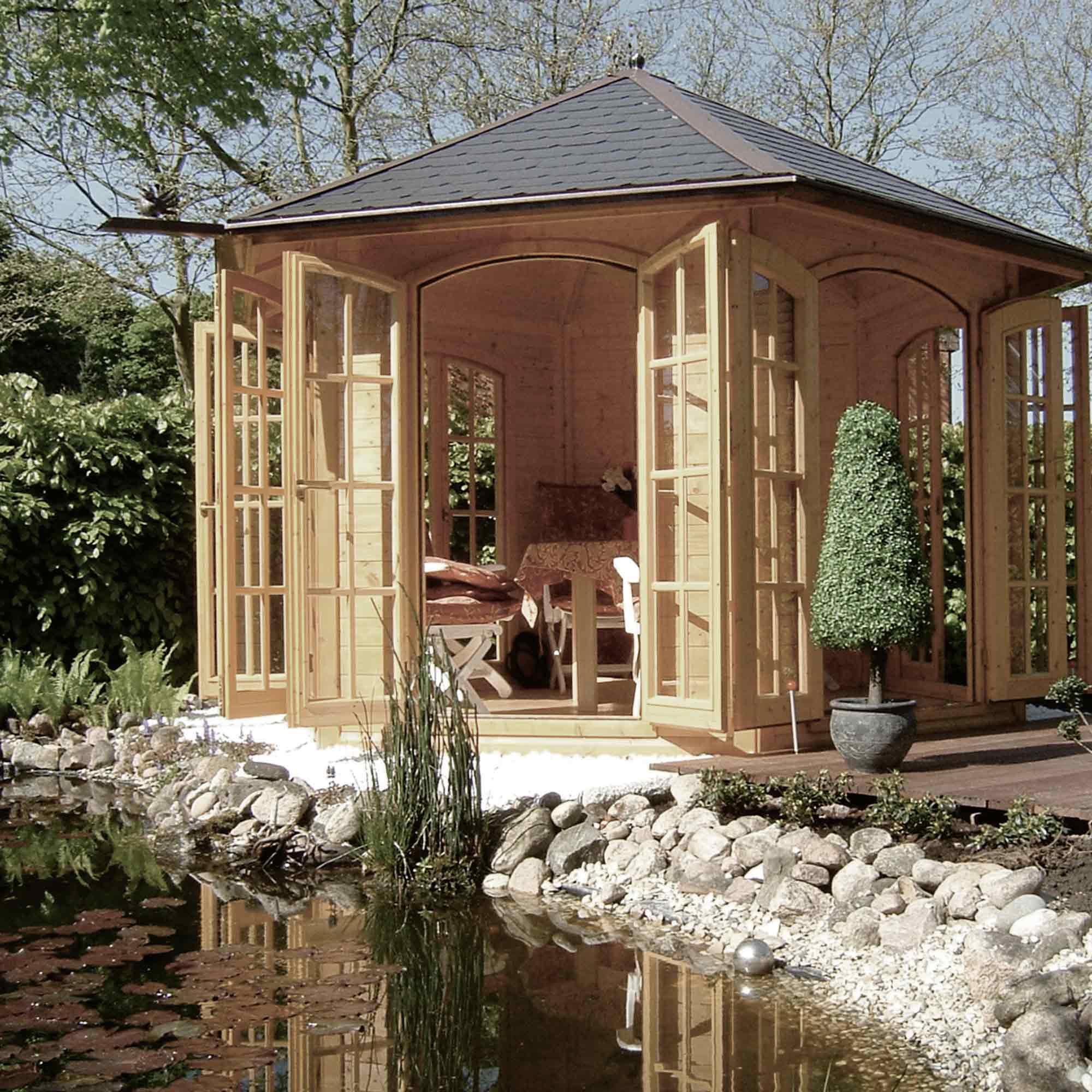 6-eckiges Gartenhaus aus hellem Holz – HolzLand Verbeek