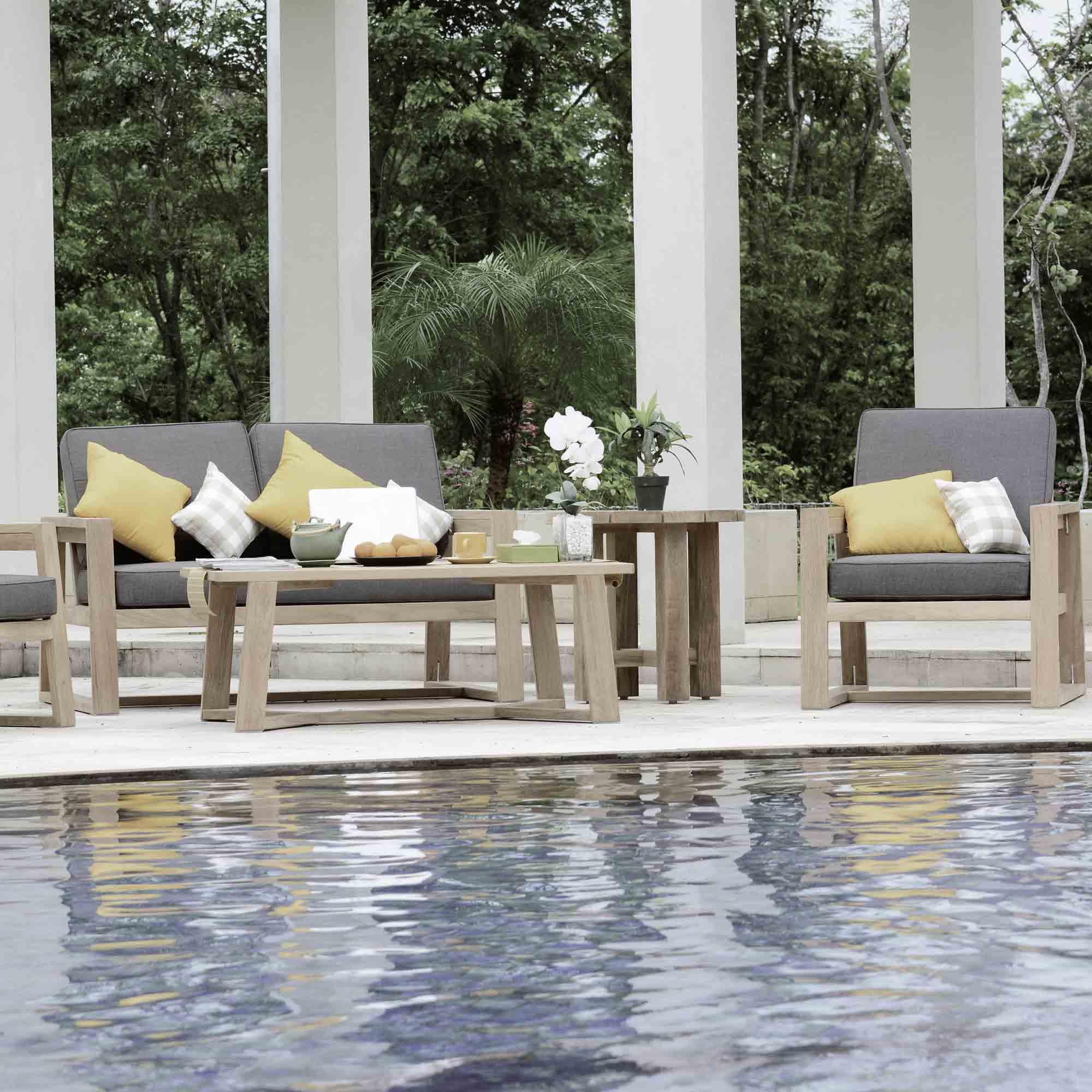 Gartenmöbel aus Holz am Pool – Holzland Verbeek