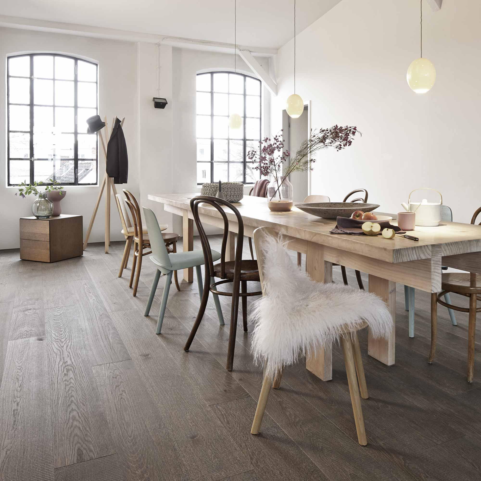 Modern chic Esszimmer mit Tisch und Stühlen | Holzland Verbeek