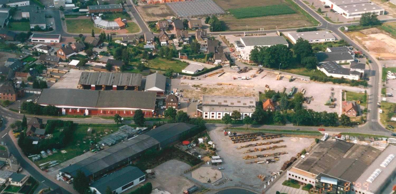 Luftaufnahme des Betriebsgeländes von HolzLand Verbeek