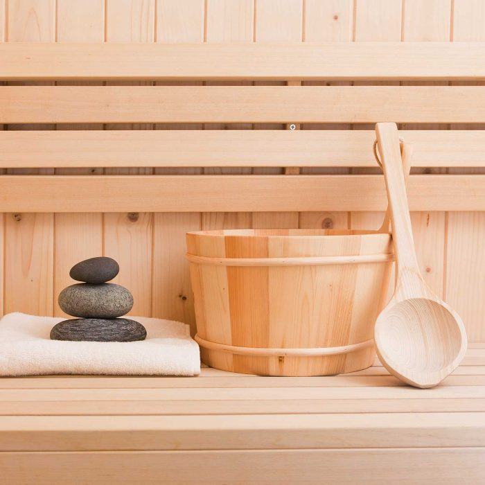 sauna-handtuch-stimmung-modern-holzland-verbeek