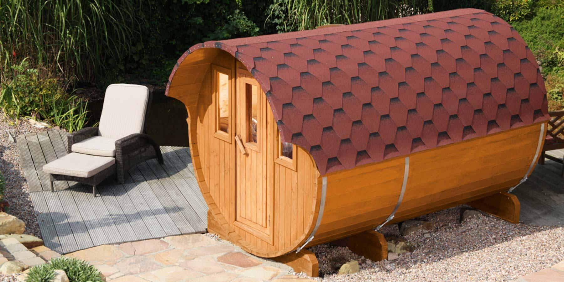 Saunafässer im Garten HolzLand Verbeek in Straelen