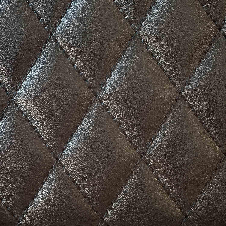 Detailansicht naht schwarzes Leder | Holzland Verbeek